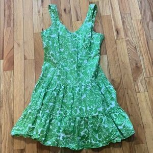 Green size 2 sweetheart neck